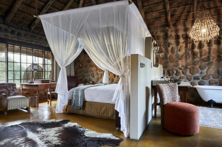 Geigers Camp_Luxury Room (8)